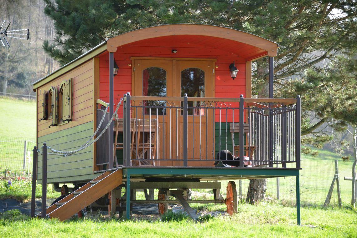 vivre en roulotte comment vivre lgalement sur un terrain agricole vivre en roulotte pice. Black Bedroom Furniture Sets. Home Design Ideas